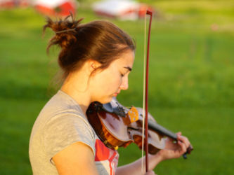 Fiddle outdoors