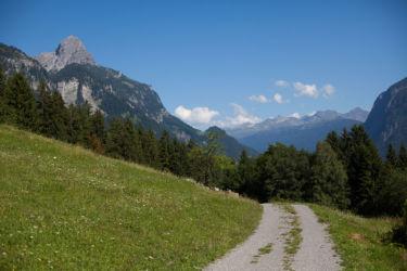 Mountain road with Roggelskopf